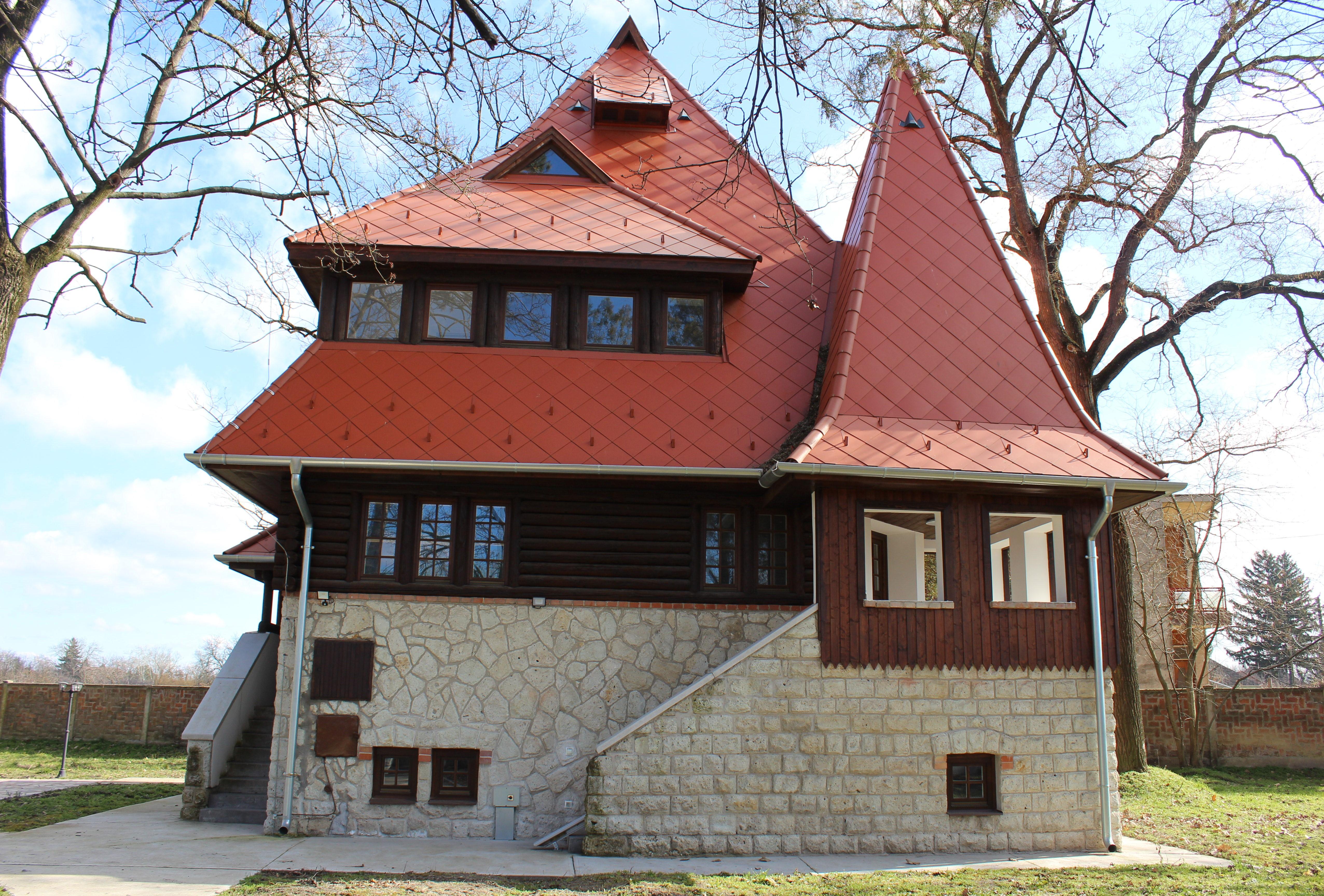 Kós Károly emlékház, Vésztői Bagolyvár rekonstruk.